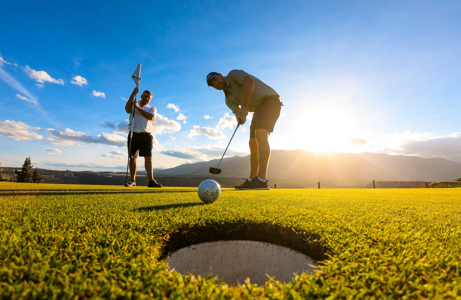 Golf clubs in picturesque surroundings with well-kept greens